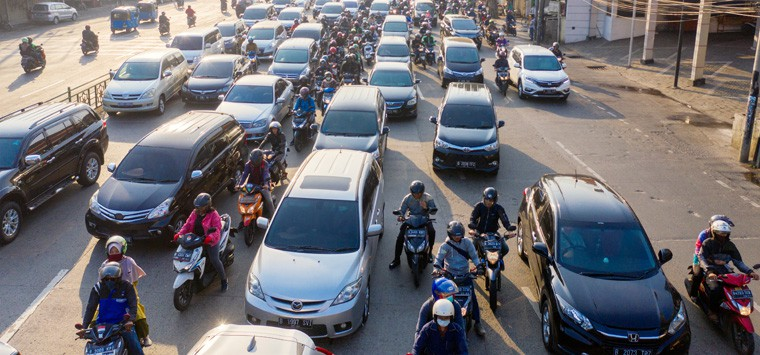 Is lane splitting on a motorcycle legal in California?